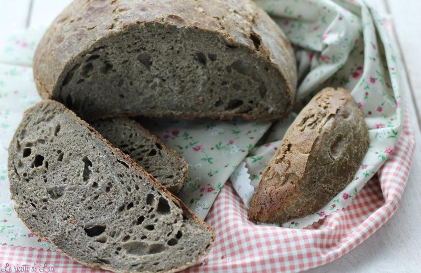 Pane con semola di grano duro e farina di grano arso ant