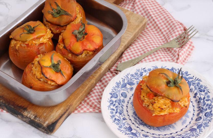 Pomodori con ripieno di riso ant