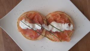 pancakes salati salmone e salsa acida