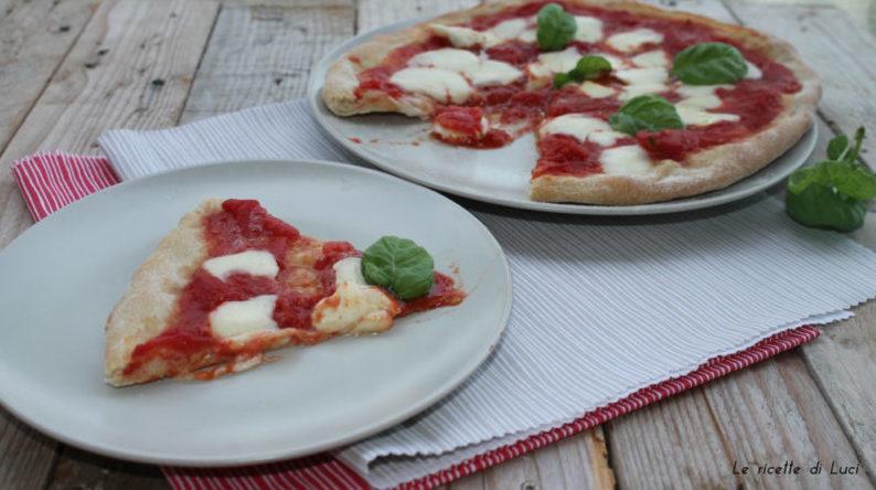 pizza al piatto tagliata