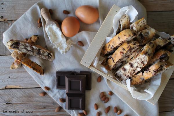 Biscotti di Prato con il cioccolato