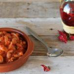 Zuppa di fagioli con carne e polpa di pomodoro