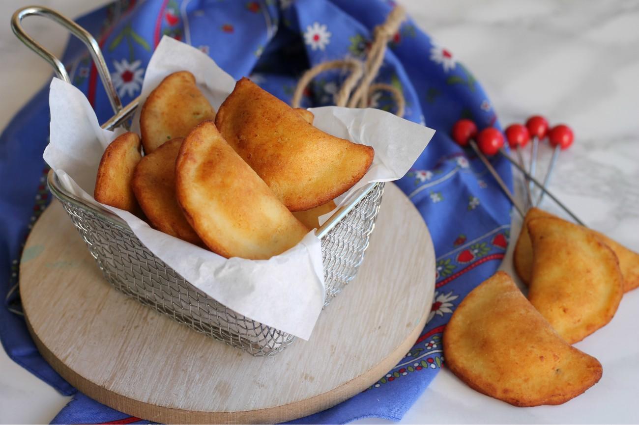 Risultati immagini per immagini tortelli di patate fritti