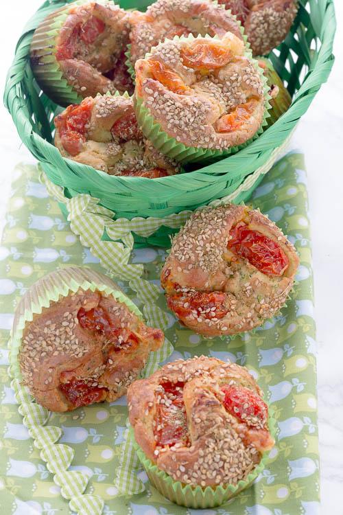 Muffins salati con zucchine e pecorino