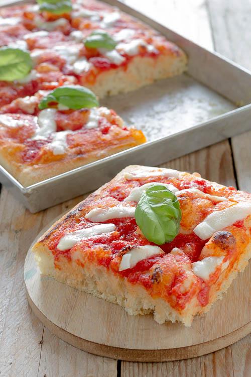 Pizza a lunga lievitazione (impasto Bonci)